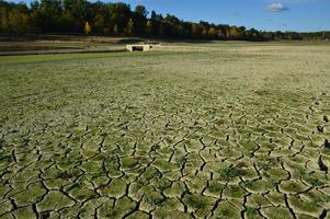 Lac de l' Escouroux en 2011 en période de sècheresse