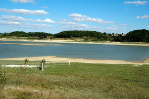 Lac de l'Escouroux en 2005 en période de sècheresse