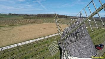 Photos prises par drone - Moulin à vent de Marquet du XVIII siècle (45)_GF