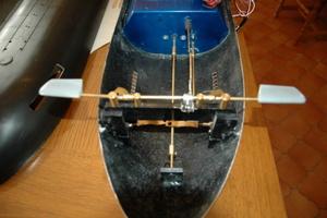 Vue du mécanisme des barres de plongé avant.
