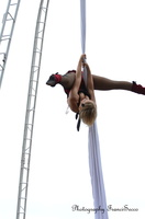 """Cirque Pouce """"Fée et tendre"""".  Spectacle aérien"""