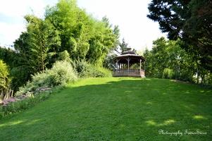La gloriette, avec sa vue sur le jardin botanique.