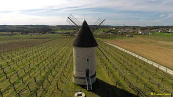 Photos prises par drone - Moulin à vent de Marquet du XVIII siècle (46)_GF