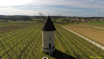 Photos prises par drone - Moulin à vent de Marquet du XVIII siècle (50)_GF